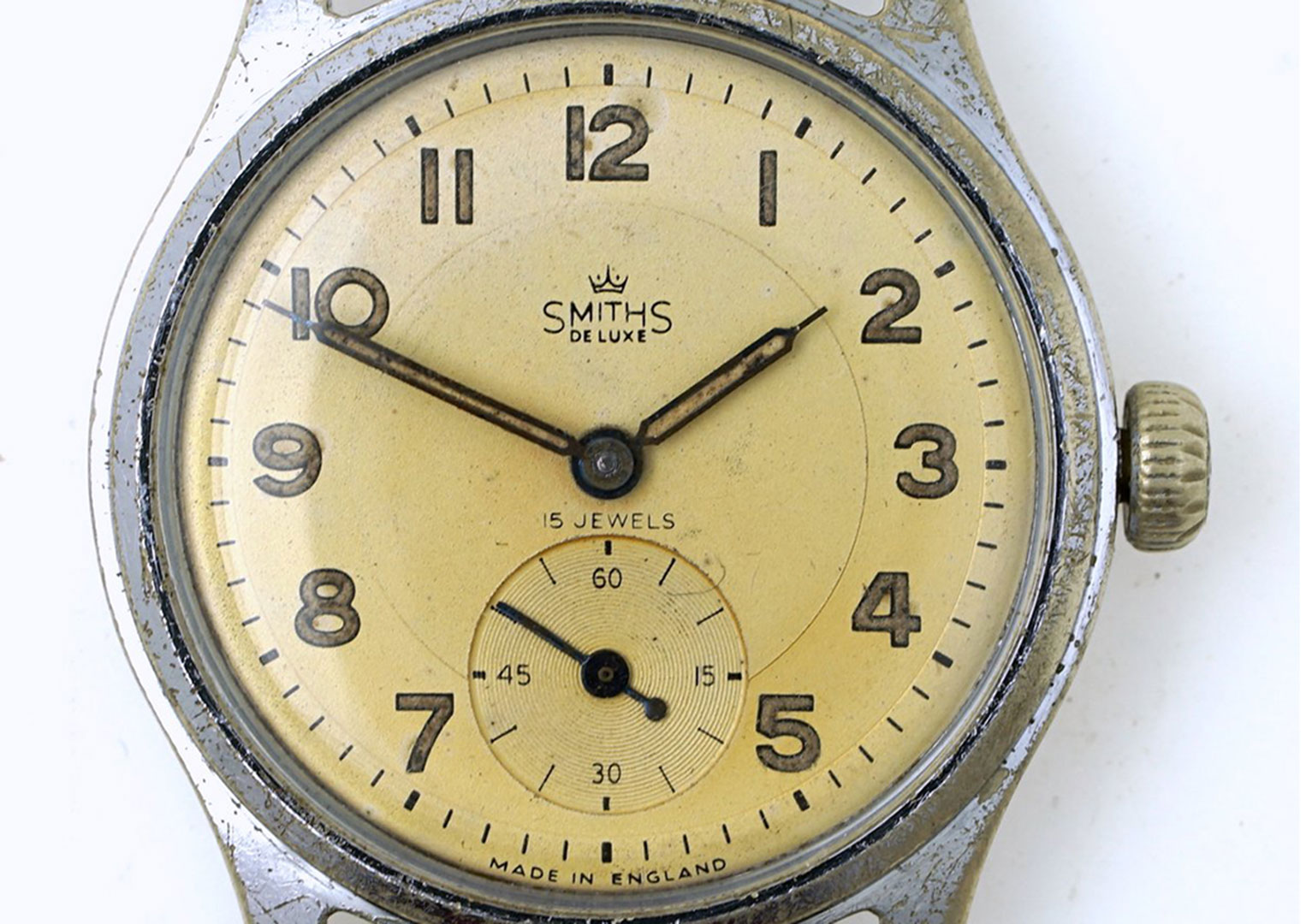 A Smith's A404 Deluxe model similar to the watch worn by Edmund Hillary. Image courtesy of smithswatches.com