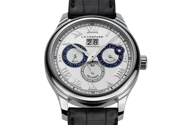 Here is the calibre 96 with a full perpetual calendar with leap year indicator