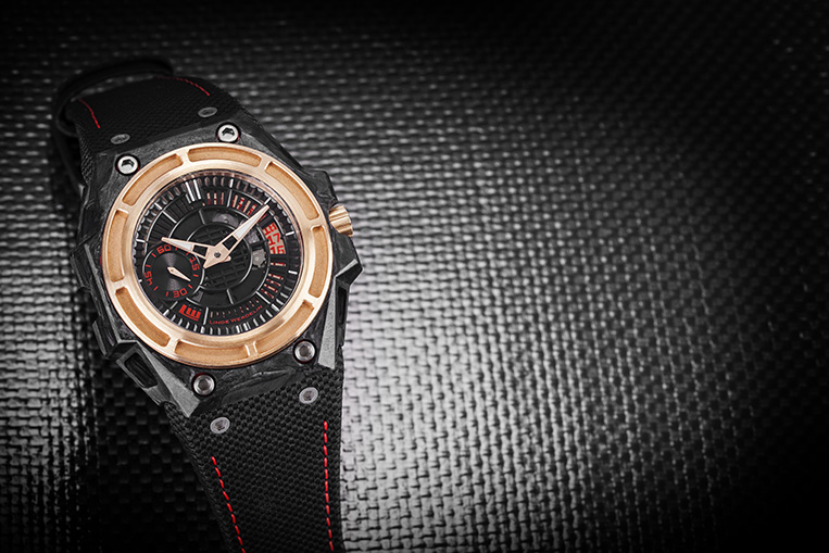 Linde Werdelin carbon watch