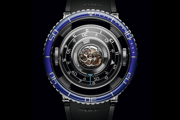 MB&F HM7 Aquapod front view