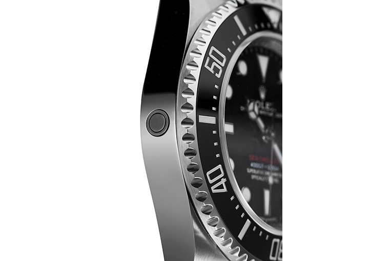 Rolex Sea-Dweller 126600 helium escape valve